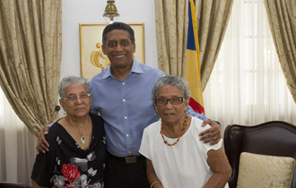 The President of the Republic, Mr Danny Faure, received twin sisters, Mrs Florine Kandasamy and Mrs Floria Alexis, at State House.