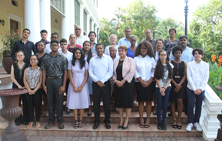 Seychellois students recognised for their outstanding examination performance in 2018