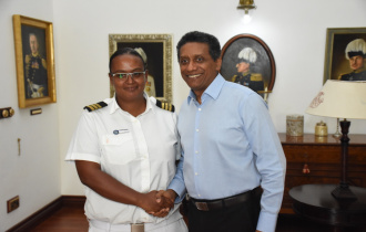 President Faure meets female First Officer at Inter Island Boats Limited