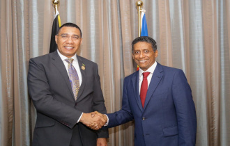 President Danny Faure engages in bilateral discussion with H.E. Andrew Holness, Prime Minister of Jamaica