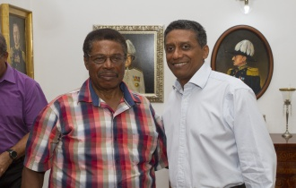President Faure receives Seychellois Singer and Composer Mr David Philoé