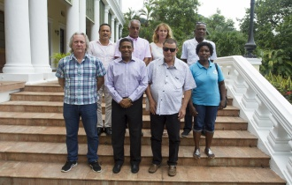 President Faure meets executive members of the Seychelles Music Association