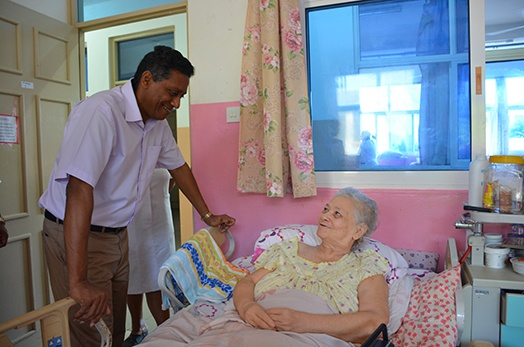 President Faure spends his morning visiting elders of Regional Homes
