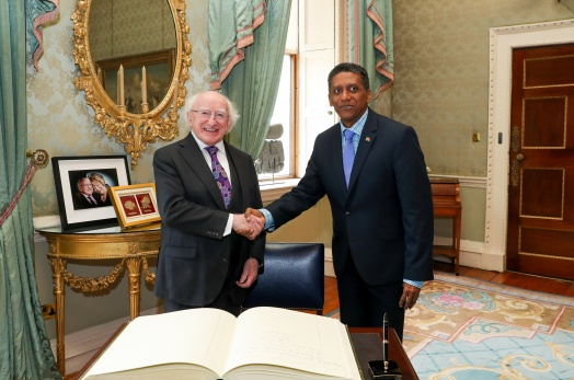 President Faure meets President of Ireland and Seychellois students in Ireland