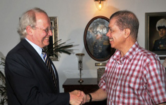 Commonwealth' Wright calls on President Michel