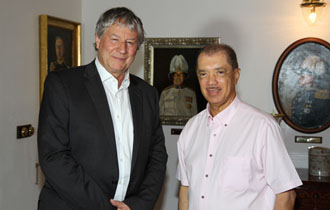 """University of Seychelles is a great success story""- Vice-Chancellor of the University of London visits Seychelles"