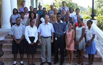 "President meets with Young Achievers from ""28 Young People Making A Difference in Seychelles"" programme"