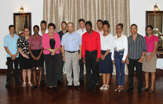 Brilliant academic performance for Seychelles - Top performing A Level students meet with President Michel