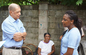 President visits the Grand Anse Praslin community
