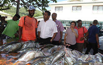President Faure Emphasises New Work Ethics to Ameliorate Local Community During Visit to Praslin