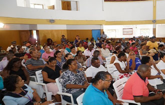 President Faure Conducts Meetings with Takamaka and Anse Royale Community Leaders