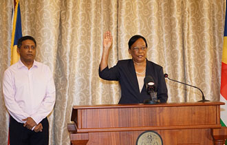 Minister Jeanne Simeon sworn into office