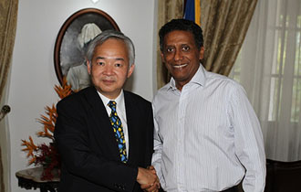 President Faure receives Special Envoy from Japan