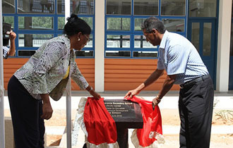 Île Perseverance Secondary school officially opened