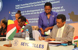 Seychelles President Faure signs Revised SADC Protocol on Gender and Development
