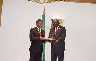 President Danny Faure receives the Blue Economy Award on African Maritime Sectors