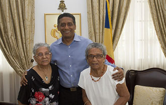 President Faure receives 91-year-old twin sisters